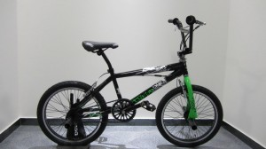 BICICLETTA TRUST BMX
